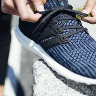 adidas va produce 11 milioane de pantofi care conţin plastic reciclat