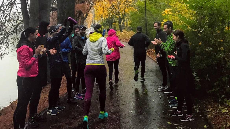 Alergarea pe ploaie. De ce trebuie să ții cont atunci când ieși la antrenament?
