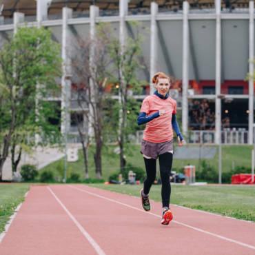După 9 ani de pauză, Ionela a (re)învățat să zboare în alergare #PotSaZbor