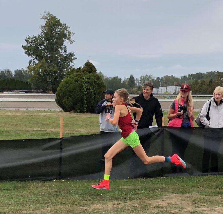 #RunningCulture: La 14 ani a terminat un semi cu un super timp: 1:16:56