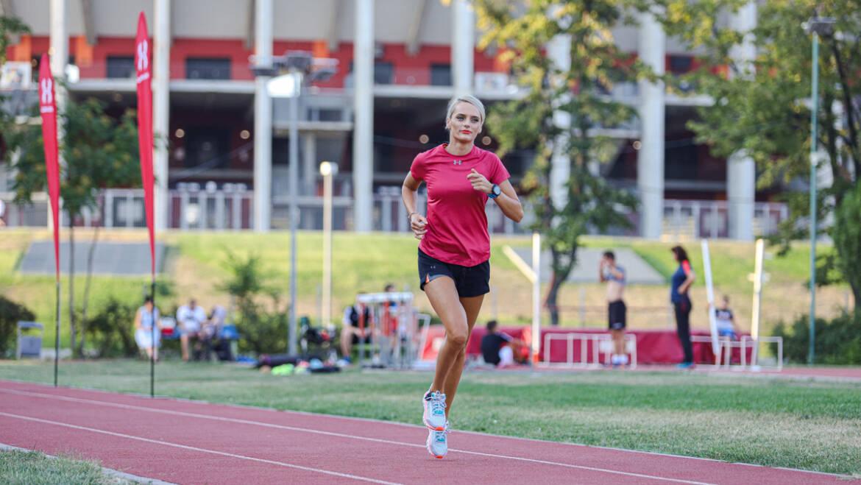 De la tras cu arcul la antrenamente de alergare #PotSaZbor