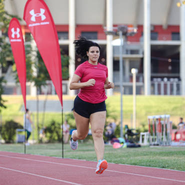 Cristiana vrea să ajungă să zboare în alergare la primul ei semi