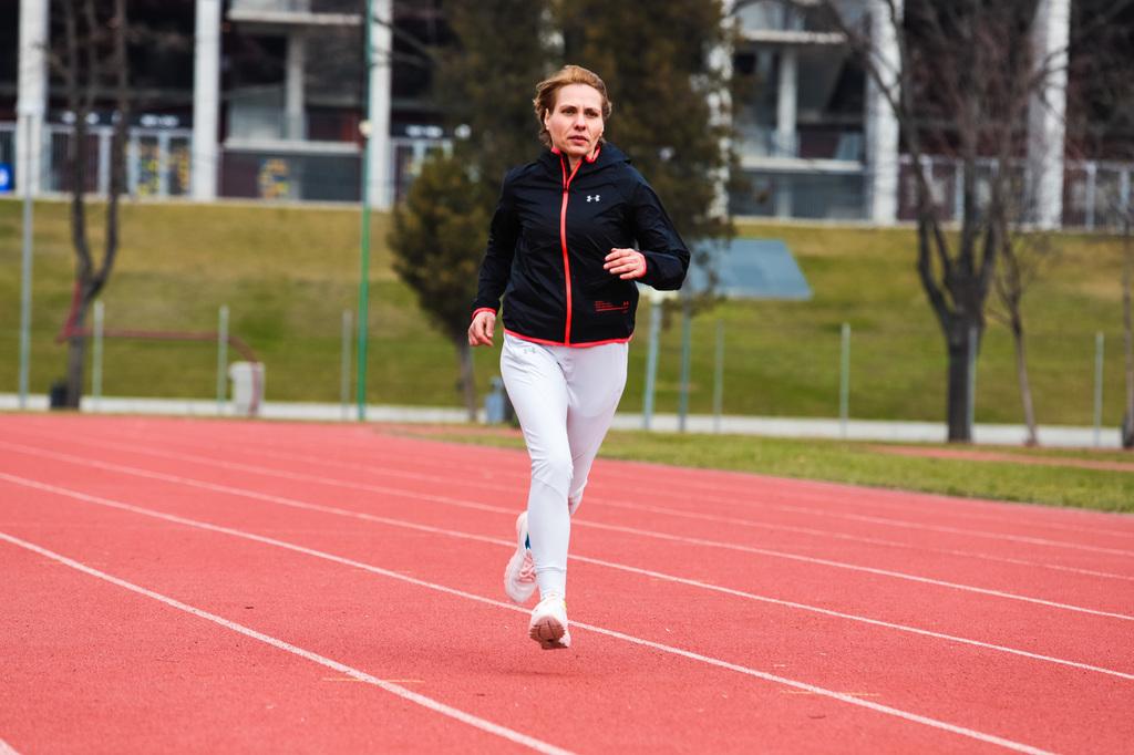 """Roxana Popa: """"Când alergi într-un program organizat, îți găsești motivația mult mai ușor"""""""