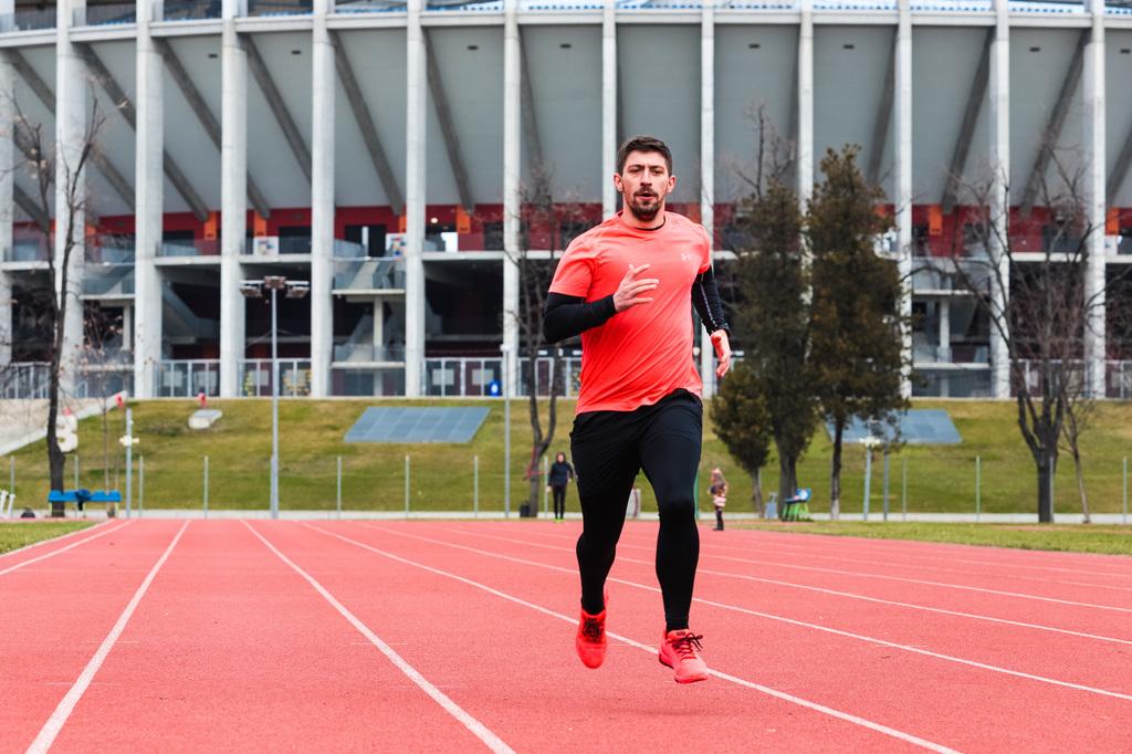 """Silviu Popescu: """"Pentru mine, alergarea este o pasiune de neînlocuit."""""""